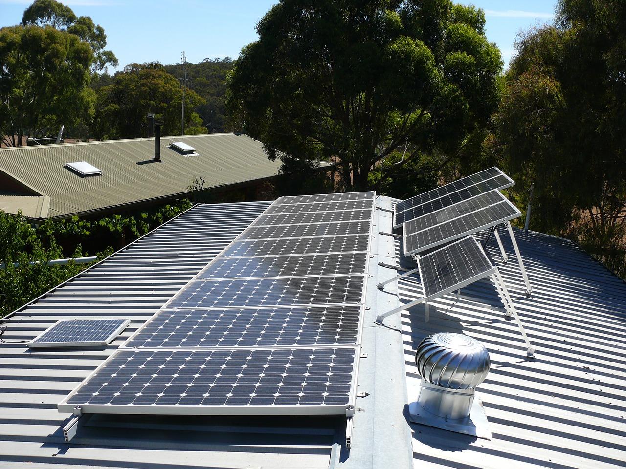 工廠為確保產線不斷電,可採用防災併聯型太陽光電系統